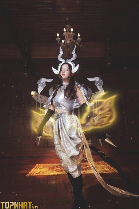 Cosplay Arum Linh Tượng Vu Nữ cực hot