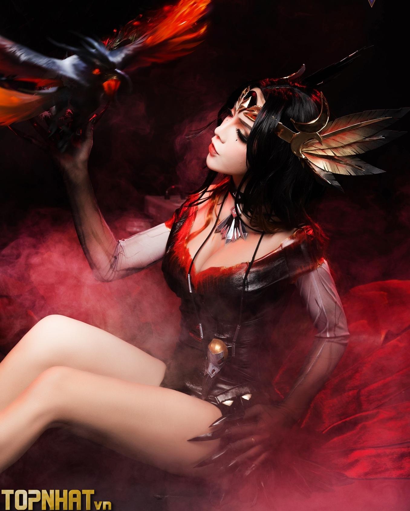 Cosplay Natalya Nghiệp Hỏa Yêu Hậu Liên Quân Ảnh 7