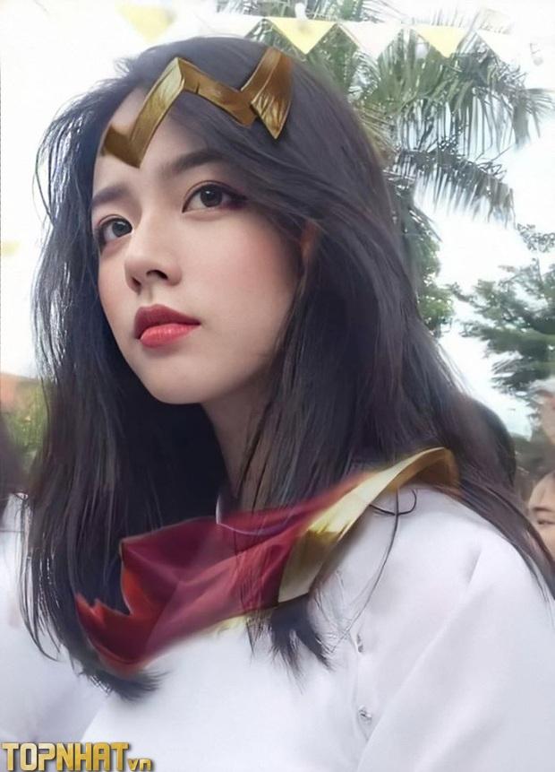 Hotgirl Giống Yena