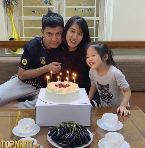 Mạnh An có cuộc sống hạnh phúc với vợ và con gái