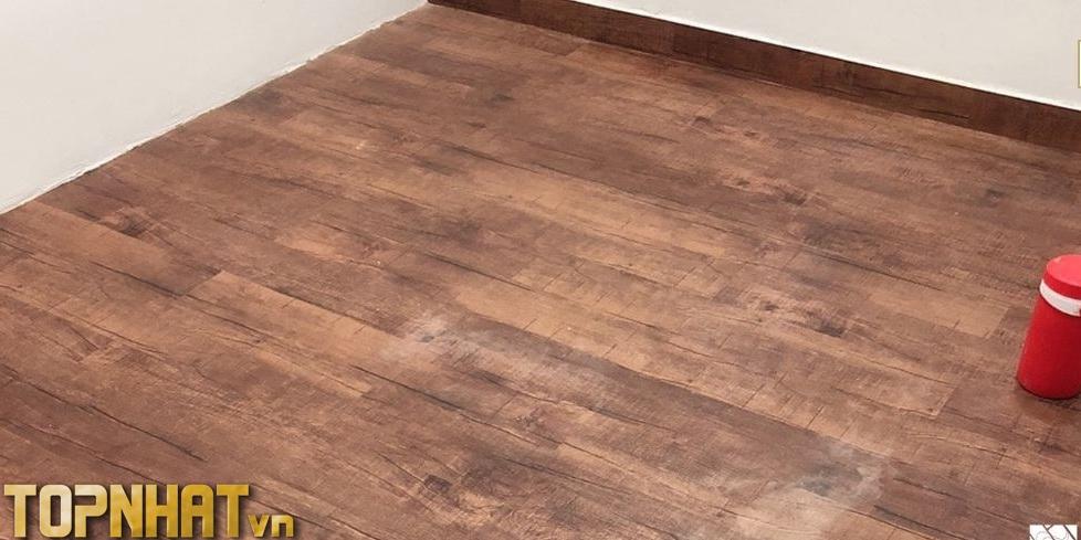 Thi công sàn nhựa giả gỗ của Kho Vật Tư