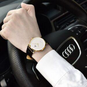 99,9% đồng hồ thiết kế dành cho việc đeo tay trái