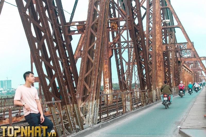 Cầu Long Biên – địa điểm vui chơi Hà Nội hấp dẫn giới trẻ