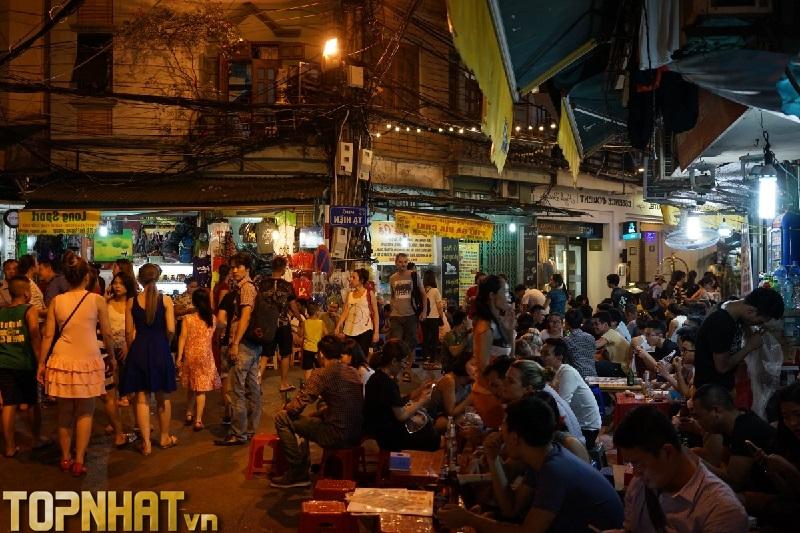 Chợ đêm Phố cổ Hà Nội nhộn nhịp