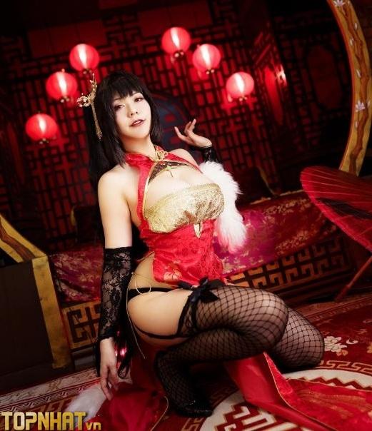 Cosplay Taihou Azur Lane cực sexy nóng bỏng - Ảnh 4