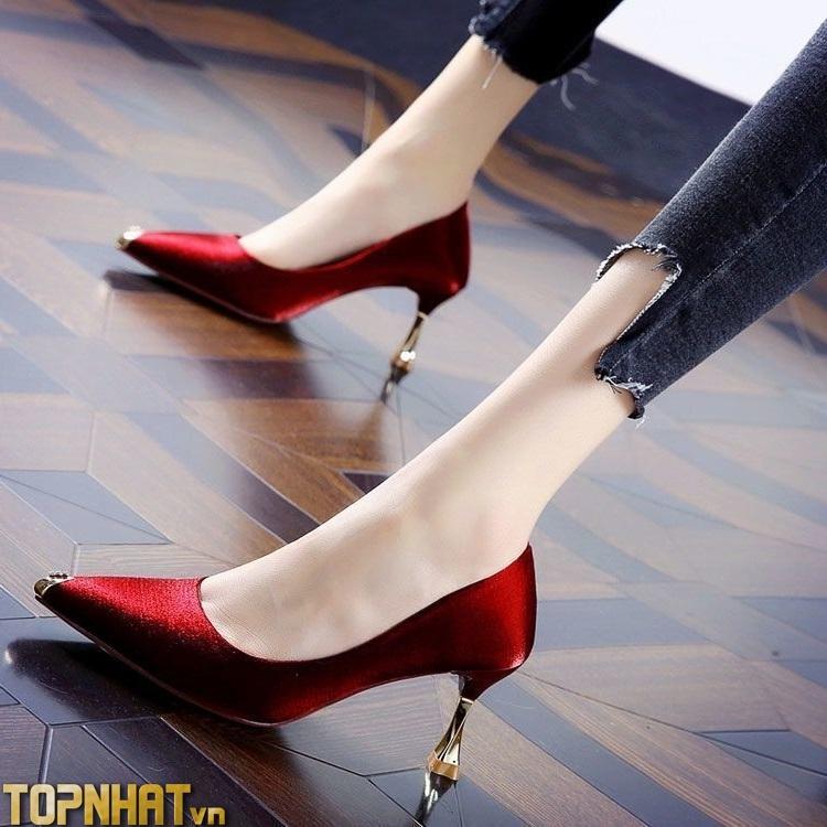 Giày Cao Gót Mũi Nhọn Bằng Lụa Satin Màu Đỏ 7cm
