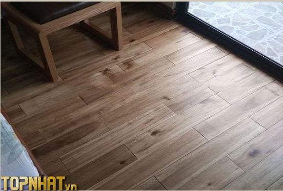 Sàn gỗ keo tràm tự nhiên giá rẻ chỉ khoảng 400k