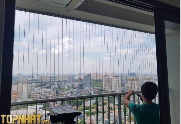 Thi công lưới an toàn cho chung cư của Hòa Phát